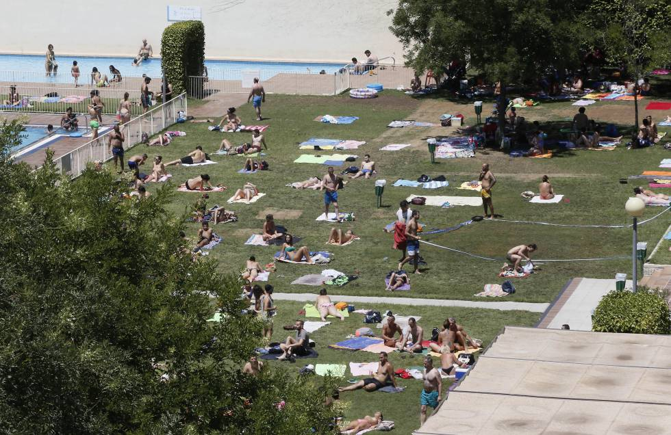 Madrid se destapa madrid el pa s for Piscinas comunidad de madrid 2016