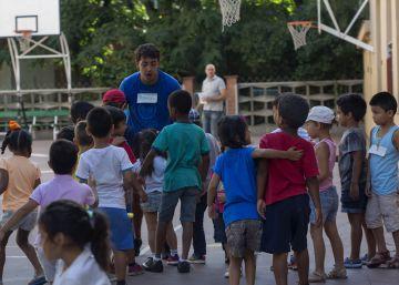 Los servicios sociales de Barcelona, al borde del colapso