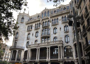 Dos ladrones asaltan a mazazos el hotel Casa Fuster de Barcelona