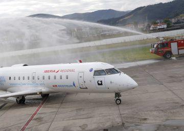 Hondarribia ofrece dos vuelos semanales a Londres hasta septiembre