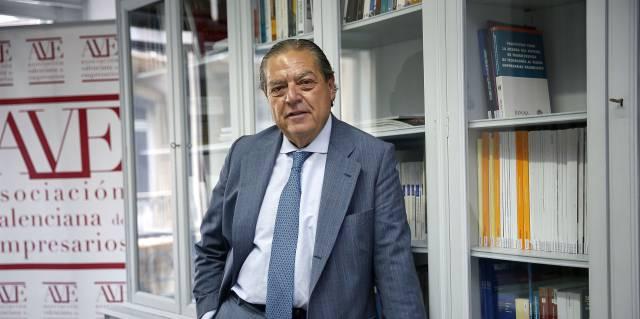 Vicente Boluda en la sede de la Asociación Valenciana de Empresarios.