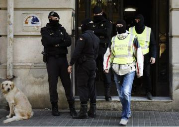 Spanish police arrest two men in Girona on charges of financing ISIS
