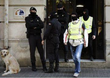 Detenidos en Girona dos hermanos acusados de financiar al ISIS