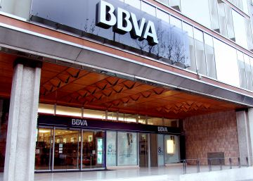 BBVA cerrará 400 oficinas tras la integración con CatalunyaCaixa