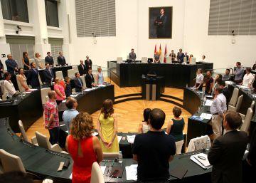 La oposición bloquea el plan de los jurados vecinales de Carmena