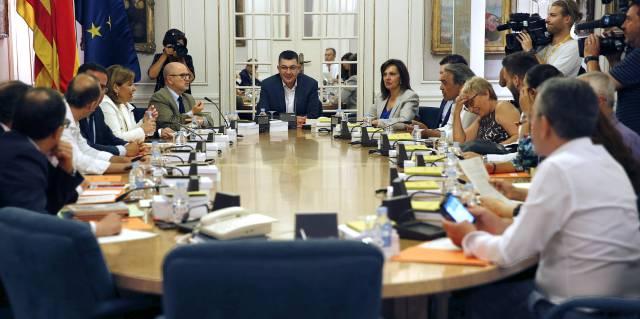 Reunión de los portavoces de los partidos en las Cortes Valencianas que ha retrasado la elección de la cúpula de RTVV.