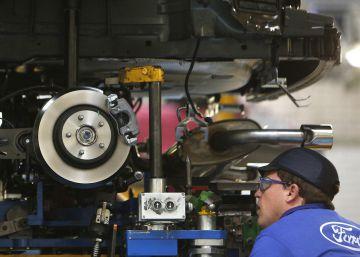 Ford retira los 430 despidos en Valencia tras pactar con UGT