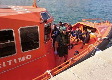 Rescatadas dos pateras con 22 inmigrantes en aguas de Alicante
