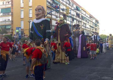Gigantes y cabezudos toman las calles de Leganés