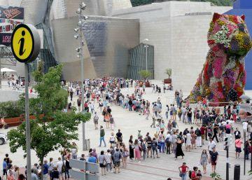 Huelga y colas en el Guggenheim