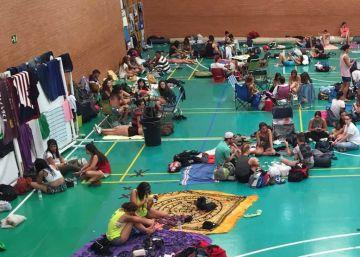 La lluvia desaloja a 3.000 campistas del Festival Medusa de Cullera