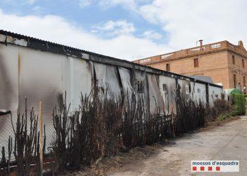 Detenidos cuatro menores por causar 30 incendios en Cerdanyola del Vallès