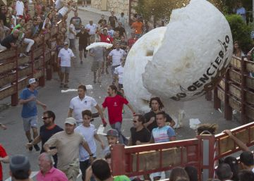 Could you survive Spain's Indiana Jones-style boulder run?