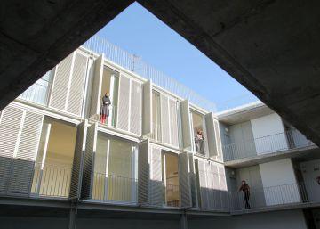 El Ayuntamiento de Madrid se querellará por la venta de viviendas a los 'fondos buitre'