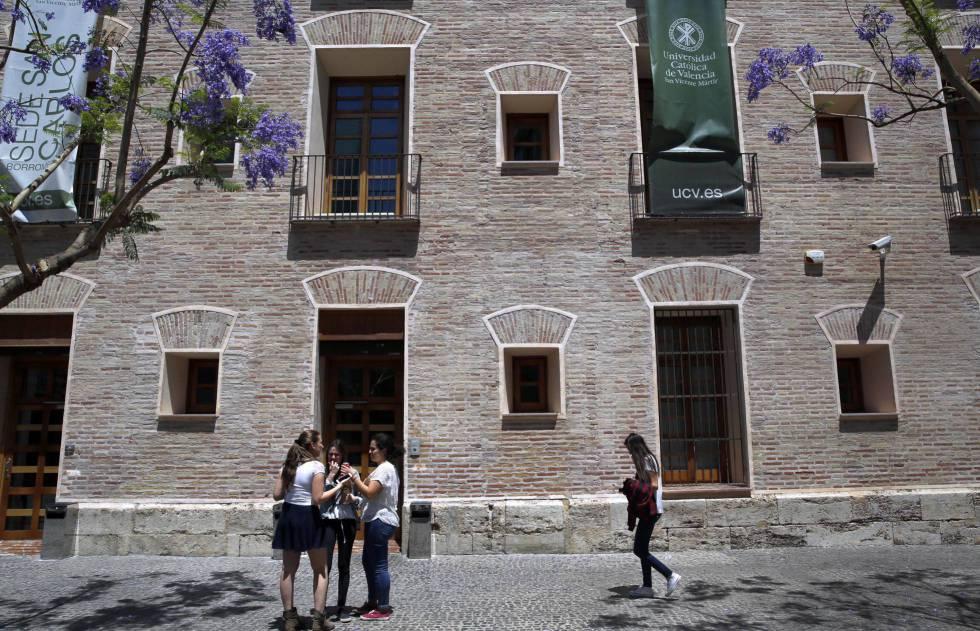 El consell y la universidad cat lica de valencia for Preinscripcion universidad valencia 2016