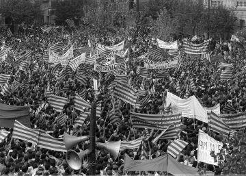 Un 'Quadern' renovado pone el foco en los 40 años de la Diada de 1976