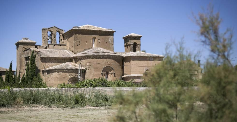 Exterior del monasterio de Sijena, en Huesca.