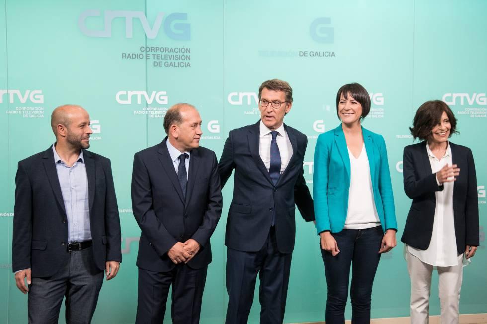 Los cinco candidatos, antes de comenzar el debate en TVG.