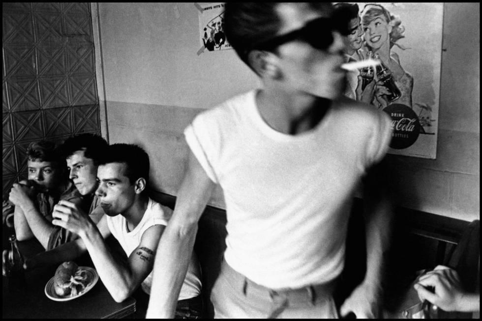 La imagen 'Brooklyn, Nueva York, 1959', de Bruce Davidson.