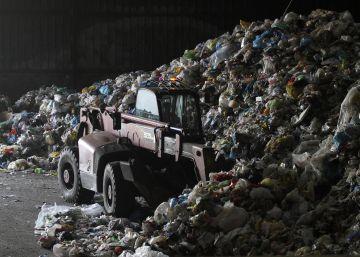 El plan regional de residuos sopesa dos incineradoras al sur y al norte