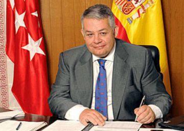 Cifuentes cesa como asesor taurino al alcalde imputado de Colmenar Viejo
