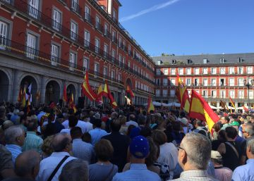 Cientos de legionarios protestan en Madrid por la retirada de la calle General Millán Astray
