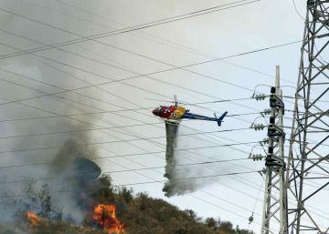 Un nuevo incendio quema ocho hectáreas en Collserola