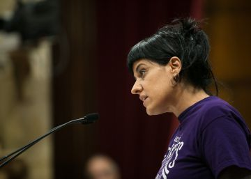 Puigdemont obtiene la confianza del Parlament con 72 votos a favor y 63 en contra