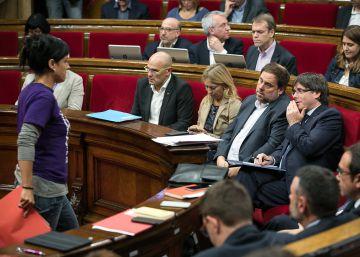 La CUP refrenda a Puigdemont sin garantizar su apoyo a las cuentas