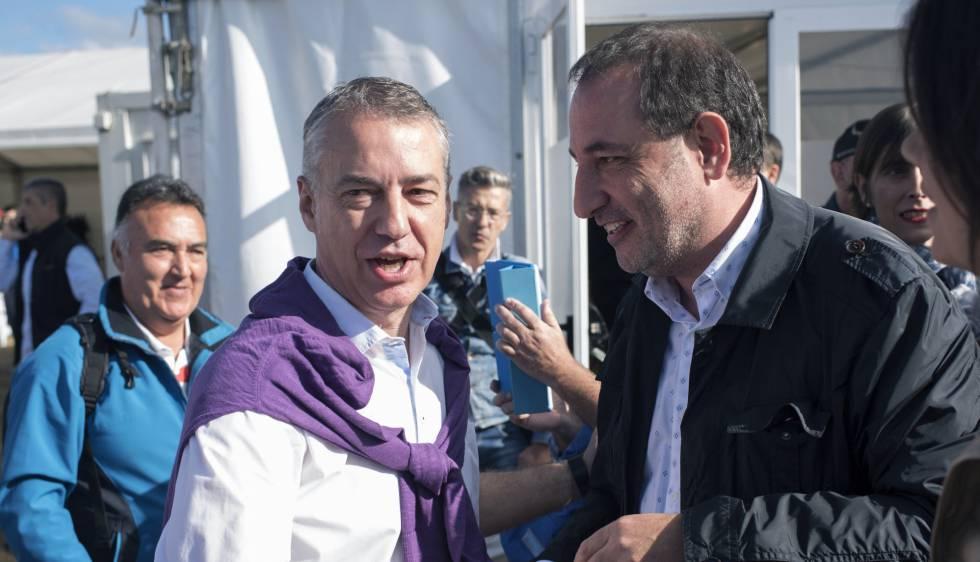 Ramon Espadaler, junto a Íñigo Urkullu, ayer en el Alderdi Eguna.
