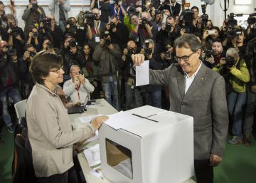 Catalan court to try former premier for role in independence vote