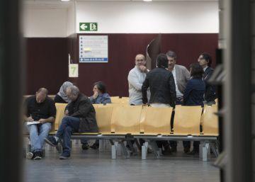 Un juez investiga por desobediencia al Ayuntamiento de Badalona por el 12-O