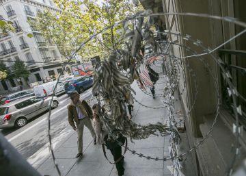 Las concertinas toman la calle de Serrano