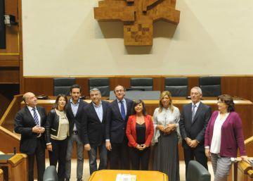 Alonso pide que no se excluya al PP de la Mesa del Parlamento