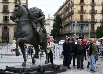 La estatua del dictador en Barcelona, blanco de las protestas