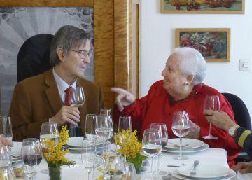 Fallece el poeta y catedrático Luis Izquierdo