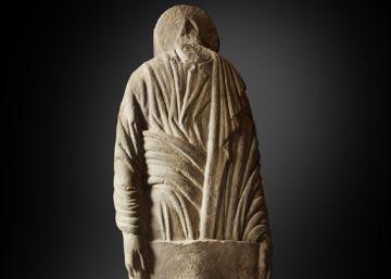 Hallada una escultura de la fachada original del Pórtico de la Gloria