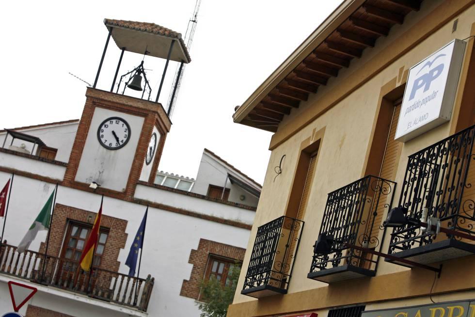 Fachada del Ayuntamiento de El Álamo.
