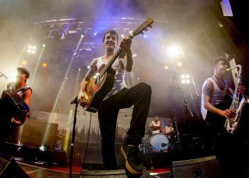 Los chicos de la M.O.D.A. en su actuación en Madrid en la Joy.