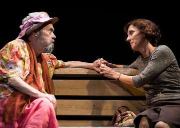 Carles Canut interpreta a la Señora Oliver en el Teatre Tantarantana