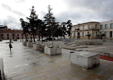 Vista de la plaza de San Fernando de Henares.