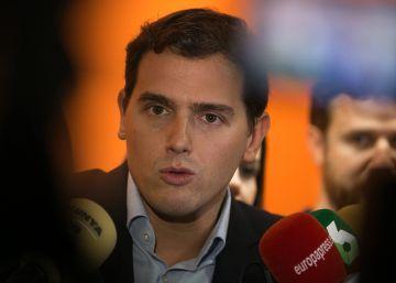 Rivera avisa a Rajoy que deberá cambiar de rumbo tras el fracaso de muchas de sus políticas