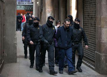 Las bandas latinas se debilitan en Cataluña