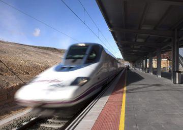 Un AVE se avería en el Penedès y deja atrapados a 210 pasajeros