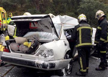 Dos muertos y tres heridos en la carretera de los Pantanos