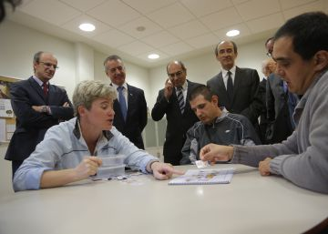Urkullu pide al Gobierno de Rajoy un cambio de actitud con Euskadi