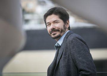 El humor negro de Juan Pablo Villalobos gana el Herralde de novela