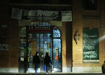 La Corporación negocia ceder a los okupas el edificio que habitan en La Almudena