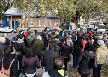 Unas 75 personas se manifiestan en Leganés por un colegio que sigue en obras