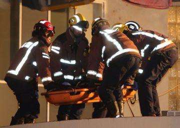 Una anciana de Reus que tenía la luz cortada muere en un incendio causado por una vela